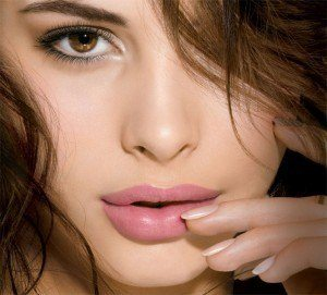 Light-piank-lipstick-for-fair-skin-300x271
